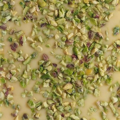 Hvid-chokolade-med-pistacienødder
